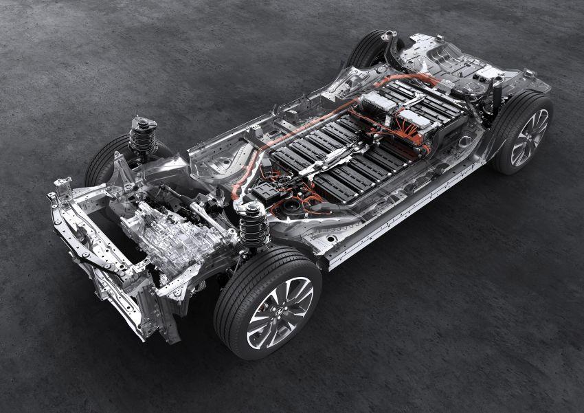 Lexus UX 300e pure EV – 400 km range, 204 PS/300 Nm, 'paddle-shift' braking regen, Active Sound Control Image #1049834