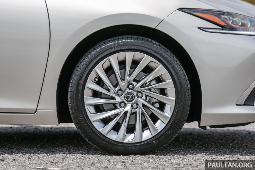 FIRST DRIVE: 2019 Lexus ES 250 Luxury – RM333k Image #1038369