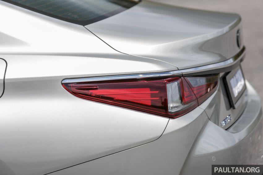 FIRST DRIVE: 2019 Lexus ES 250 Luxury – RM333k Image #1038380