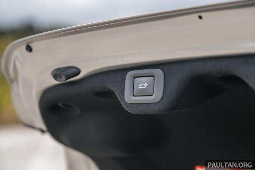 FIRST DRIVE: 2019 Lexus ES 250 Luxury – RM333k Image #1038440