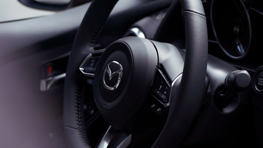 Mazda 2 Sedan facelift shown in Mexico with new look Image #1045888