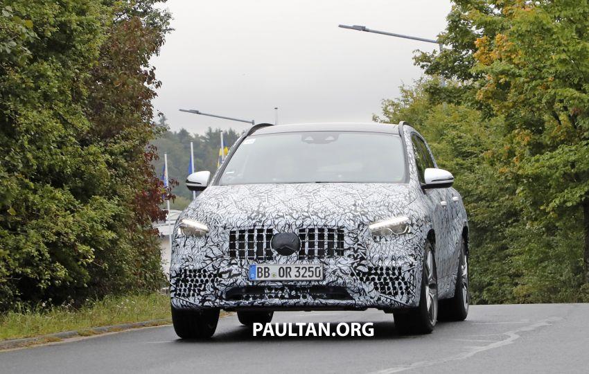 Next-gen Mercedes-Benz GLA teased – Dec 11 debut Image #1051060