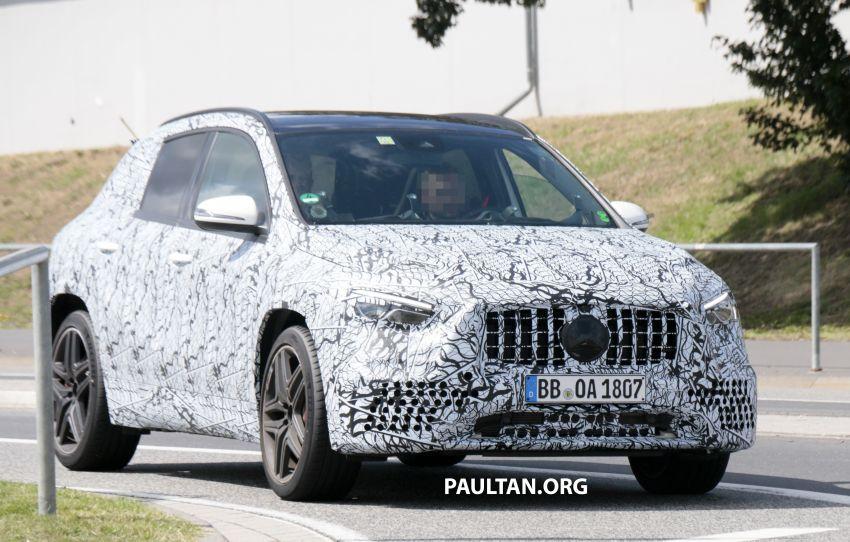 Next-gen Mercedes-Benz GLA teased – Dec 11 debut Image #1051077