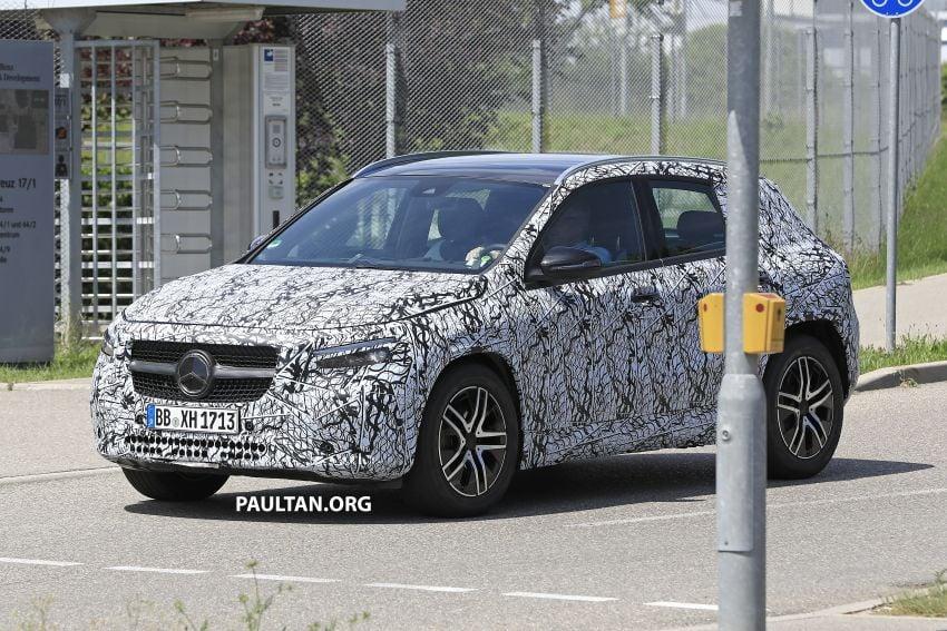 Next-gen Mercedes-Benz GLA teased – Dec 11 debut Image #1051033