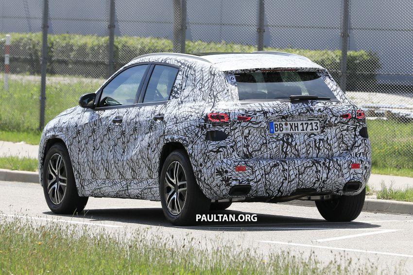 Next-gen Mercedes-Benz GLA teased – Dec 11 debut Image #1051044