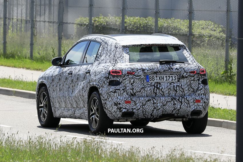Next-gen Mercedes-Benz GLA teased – Dec 11 debut Image #1051045