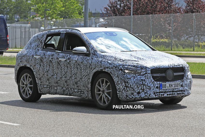 Next-gen Mercedes-Benz GLA teased – Dec 11 debut Image #1051049