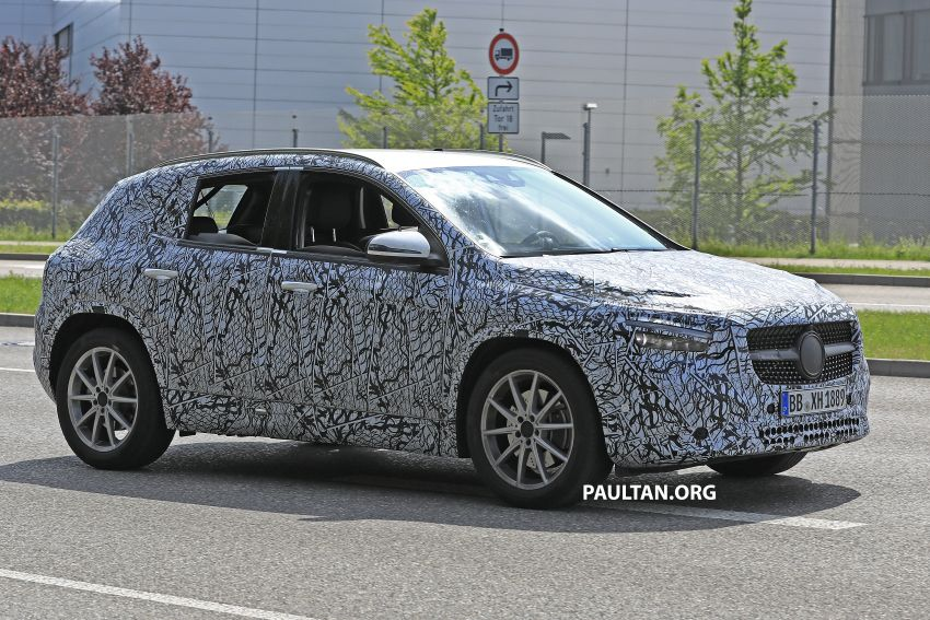 Next-gen Mercedes-Benz GLA teased – Dec 11 debut Image #1051050