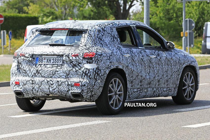 Next-gen Mercedes-Benz GLA teased – Dec 11 debut Image #1051055