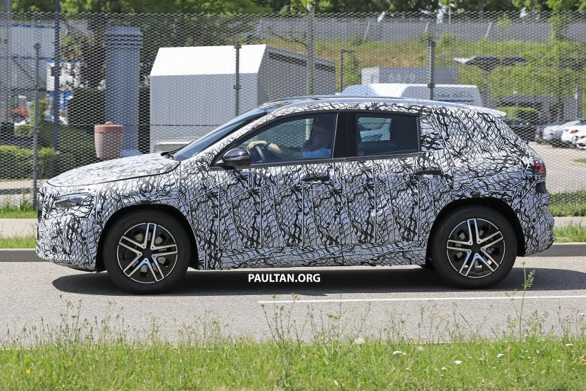 Next-gen Mercedes-Benz GLA teased – Dec 11 debut Image #1051039