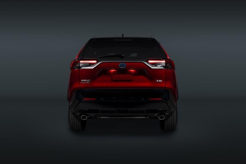 Toyota RAV4 Prime – plug-in hybrid SUV with 302 hp Image #1049397