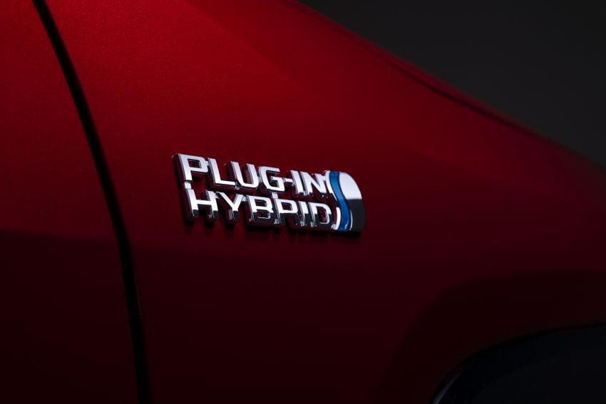Toyota RAV4 Prime – plug-in hybrid SUV with 302 hp Image #1049398