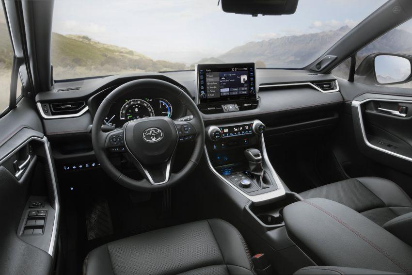 Toyota RAV4 Prime – plug-in hybrid SUV with 302 hp Image #1049408