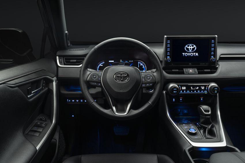 Toyota RAV4 Prime – plug-in hybrid SUV with 302 hp Image #1049411