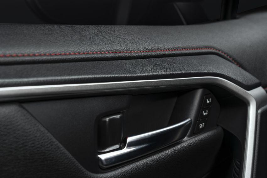 Toyota RAV4 Prime – plug-in hybrid SUV with 302 hp Image #1049417