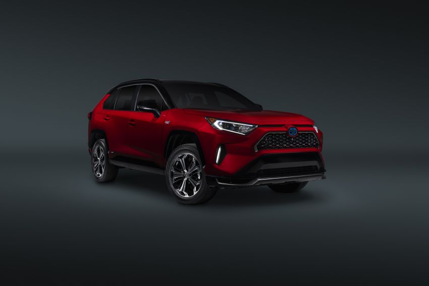 Toyota RAV4 Prime – plug-in hybrid SUV with 302 hp Image #1049393