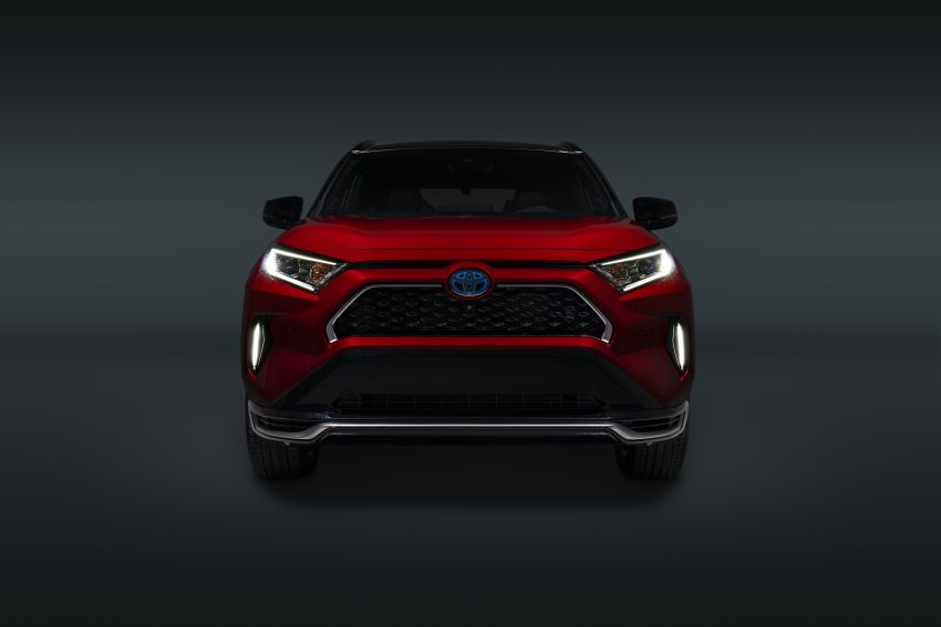 Toyota RAV4 Prime – plug-in hybrid SUV with 302 hp Image #1049394