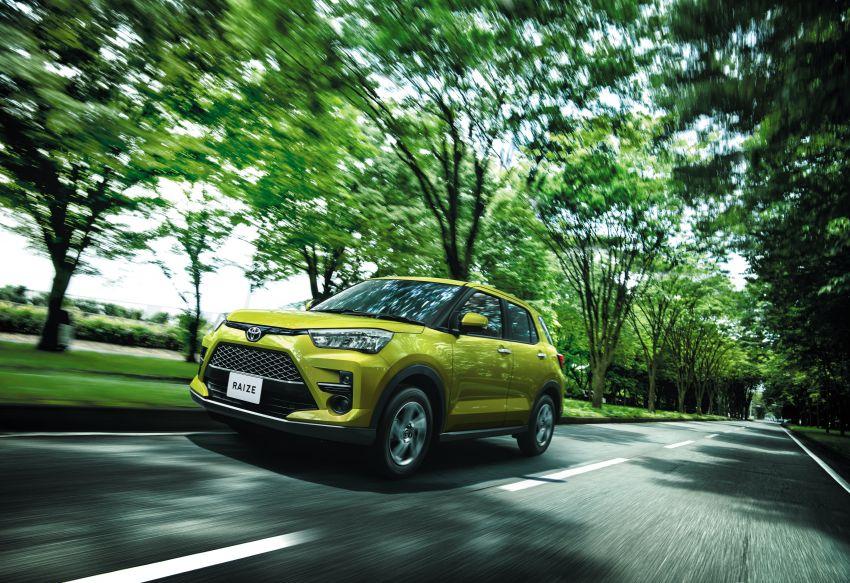Toyota Raize didedahkan – <em>rebadge</em> dari Daihatsu Rocky, enjin 1.0 liter tiga-silinder, harga dari RM64k Image #1040574