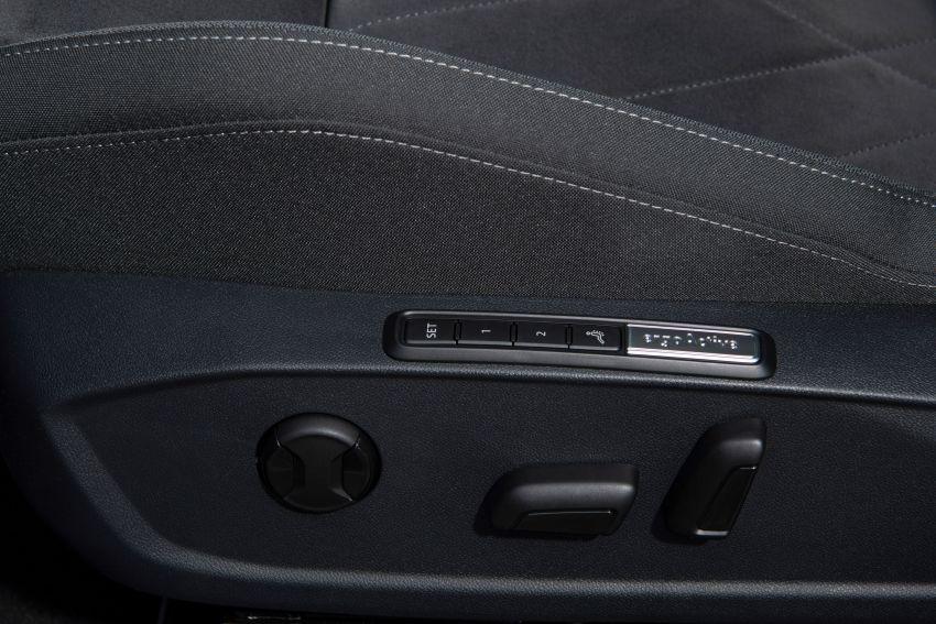 MEGA GALLERY: Volkswagen Golf Mk8 gets detailed Image #1052616