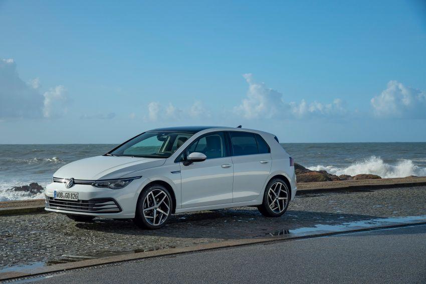 MEGA GALLERY: Volkswagen Golf Mk8 gets detailed Image #1052570