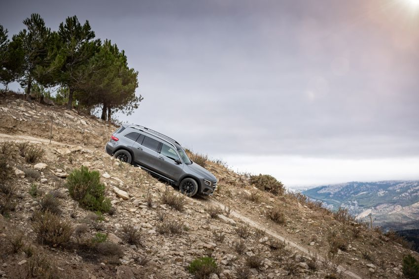 X247 Mercedes-Benz GLB coming to Malaysia in 2020 – all you need to know about the 7-seat compact SUV Image #1052108