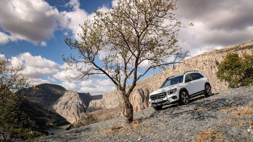 X247 Mercedes-Benz GLB coming to Malaysia in 2020 – all you need to know about the 7-seat compact SUV Image #1051871