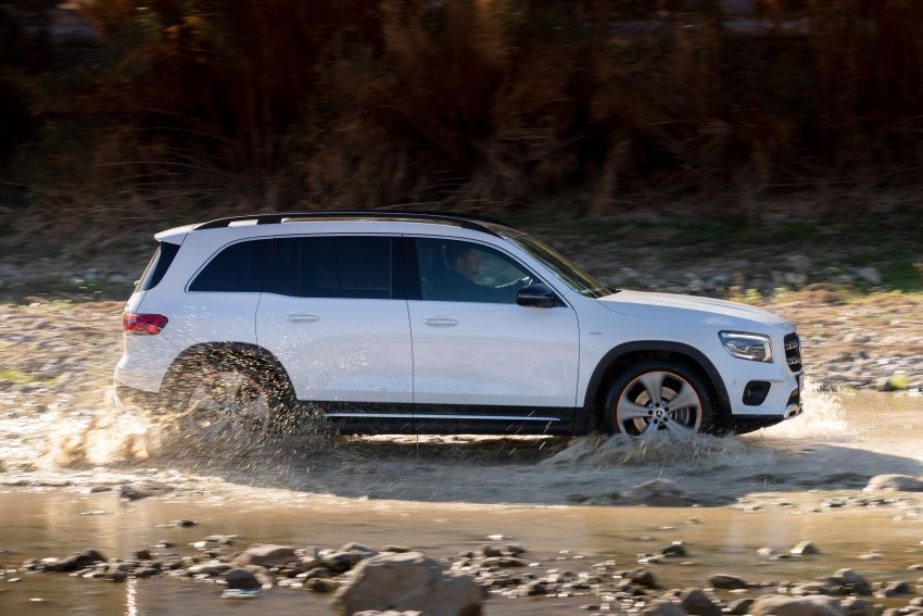 X247 Mercedes-Benz GLB coming to Malaysia in 2020 – all you need to know about the 7-seat compact SUV Image #1051896