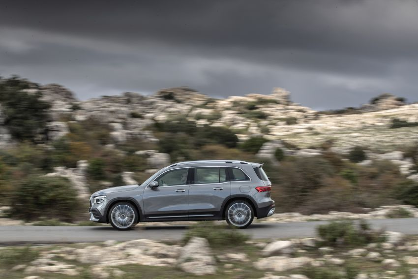 X247 Mercedes-Benz GLB coming to Malaysia in 2020 – all you need to know about the 7-seat compact SUV Image #1051845