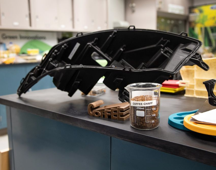 Ford turns McDonald's coffee waste into headlights Image #1056573