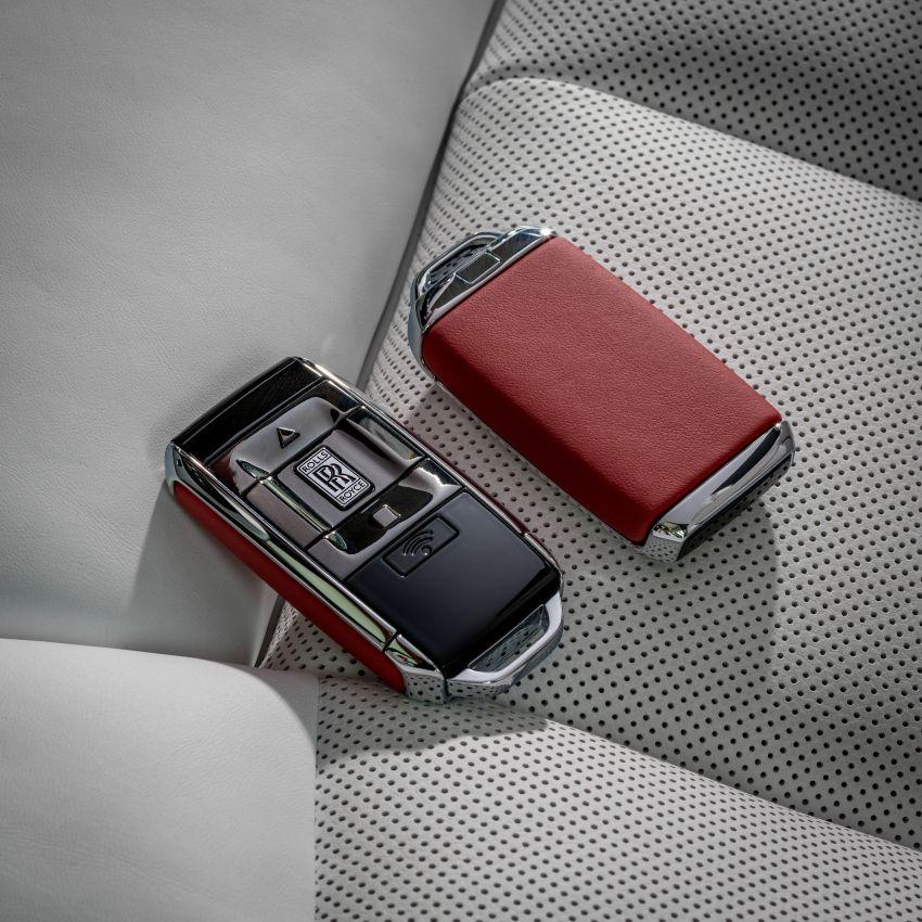 Custom Rolls-Royce RED Phantom made to fight AIDS Image #1055551