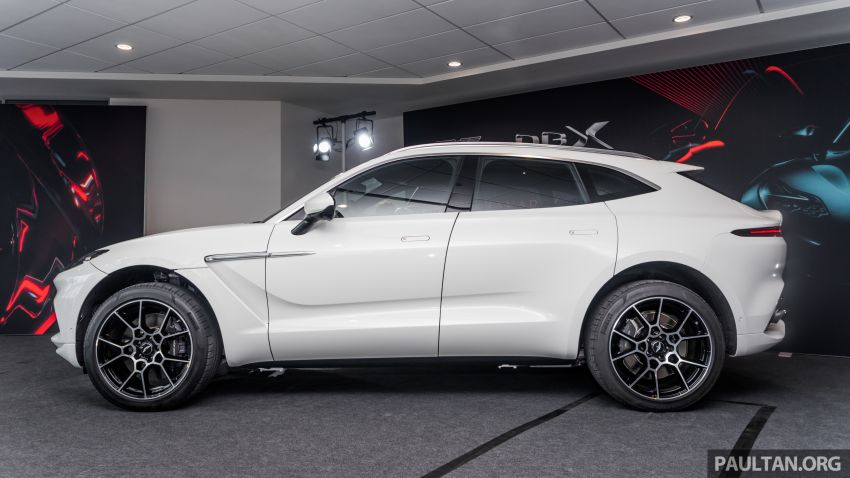 GALLERY: Aston Martin DBX SUV at St Athan factory Image #1057528