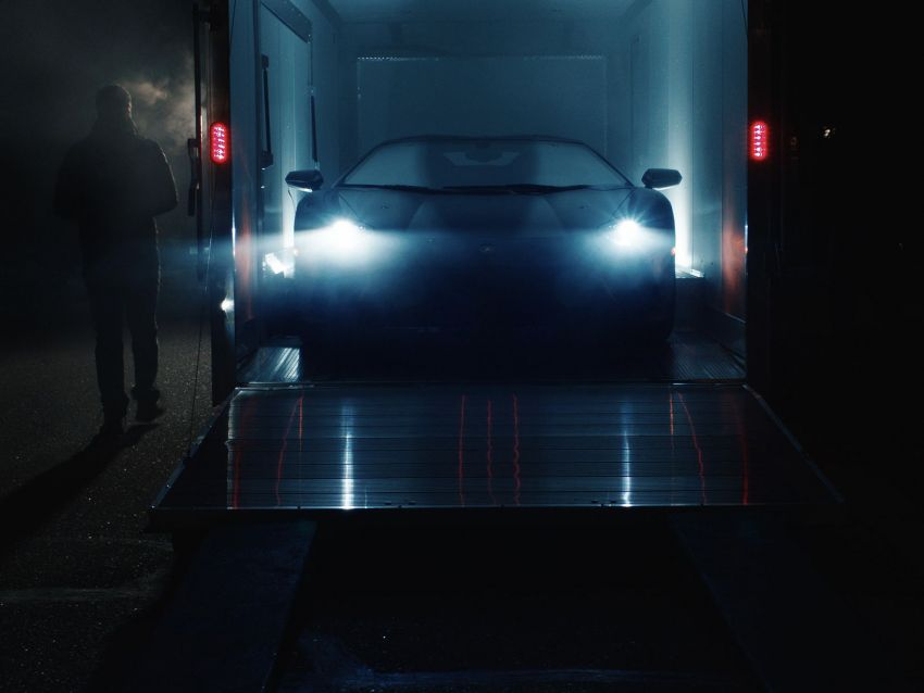 Lamborghini surprises father-son team who 3D-printed an Aventador with the real thing for the holiday season Image #1063410