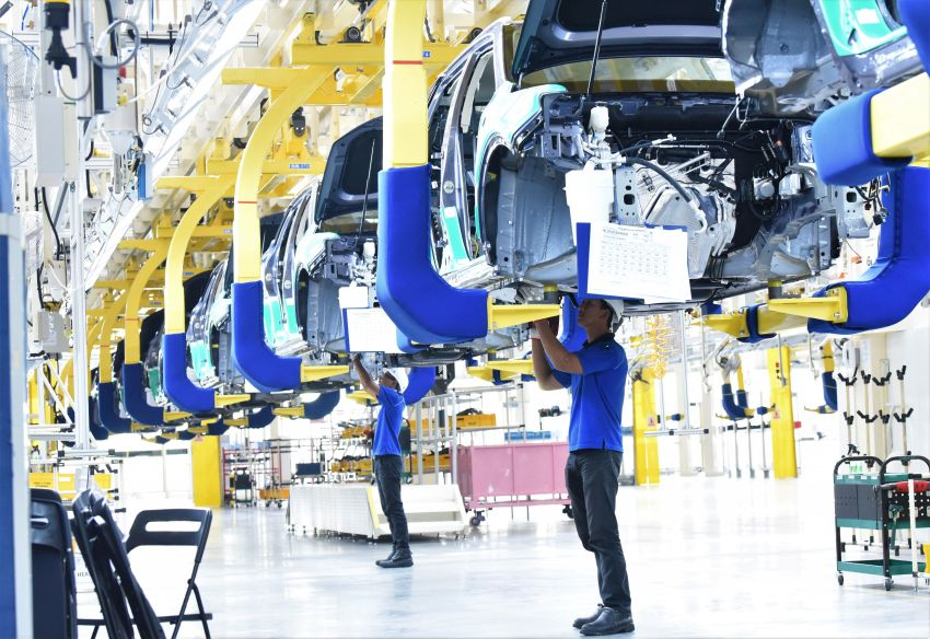 2020 Proton X70 CKD rolls out of Tanjung Malim plant – launch soon, right-hand drive exports planned Image #1059790