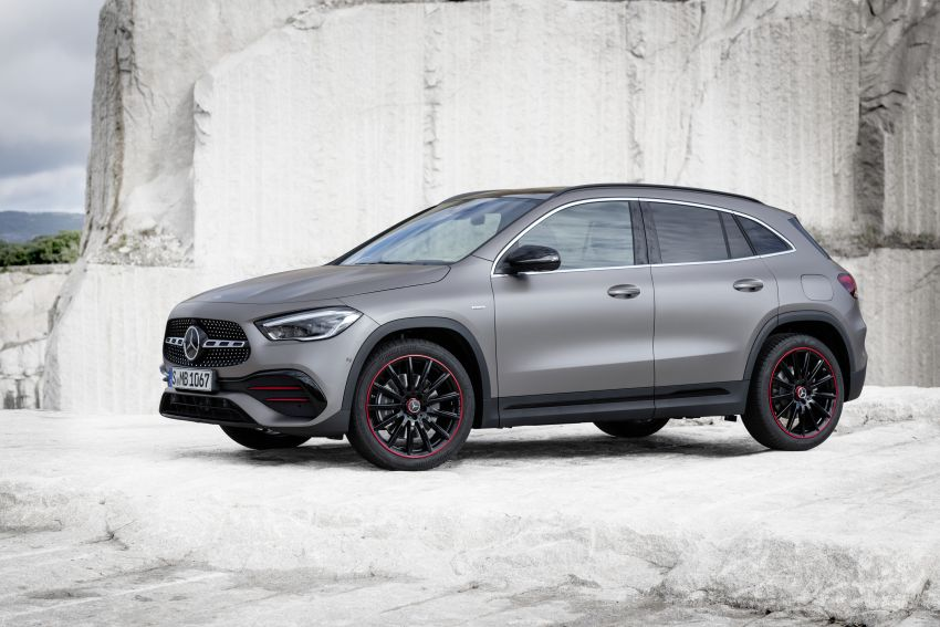 H247 Mercedes-Benz GLA revealed – BMW X2 rival grows taller and receives new tech and engines Image #1058614