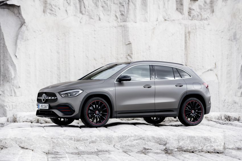 H247 Mercedes-Benz GLA revealed – BMW X2 rival grows taller and receives new tech and engines Image #1058615