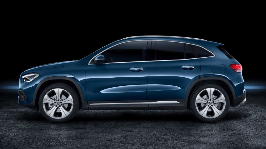 H247 Mercedes-Benz GLA revealed – BMW X2 rival grows taller and receives new tech and engines Image #1058687