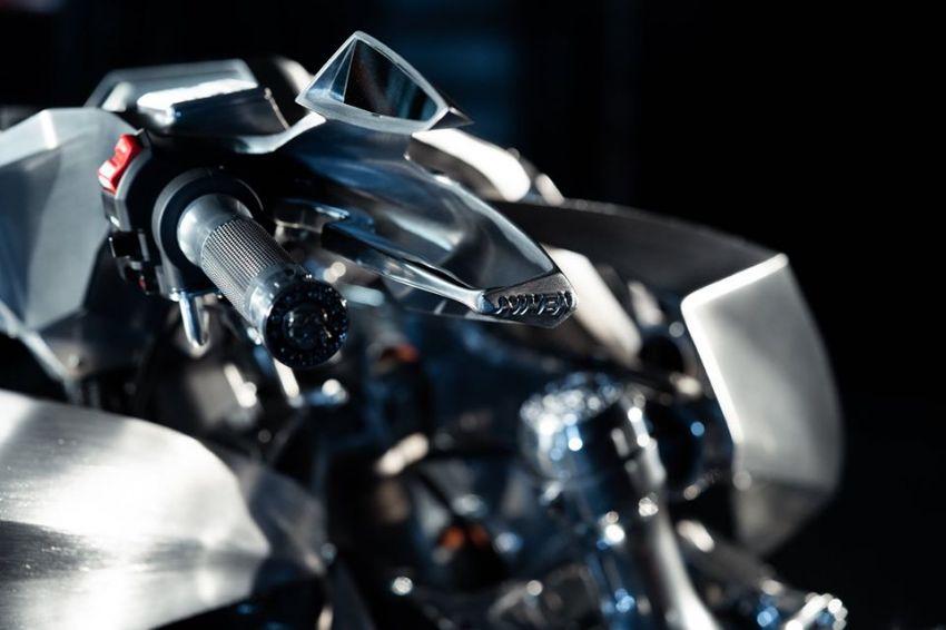 Yamaha Niken dengan semua panel badan aluminium Image #1061089