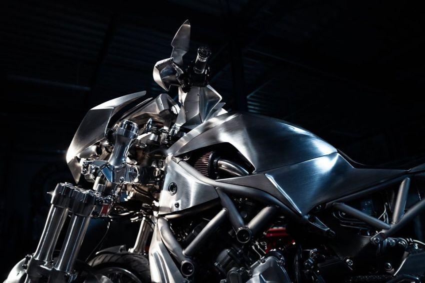 Yamaha Niken dengan semua panel badan aluminium Image #1061082