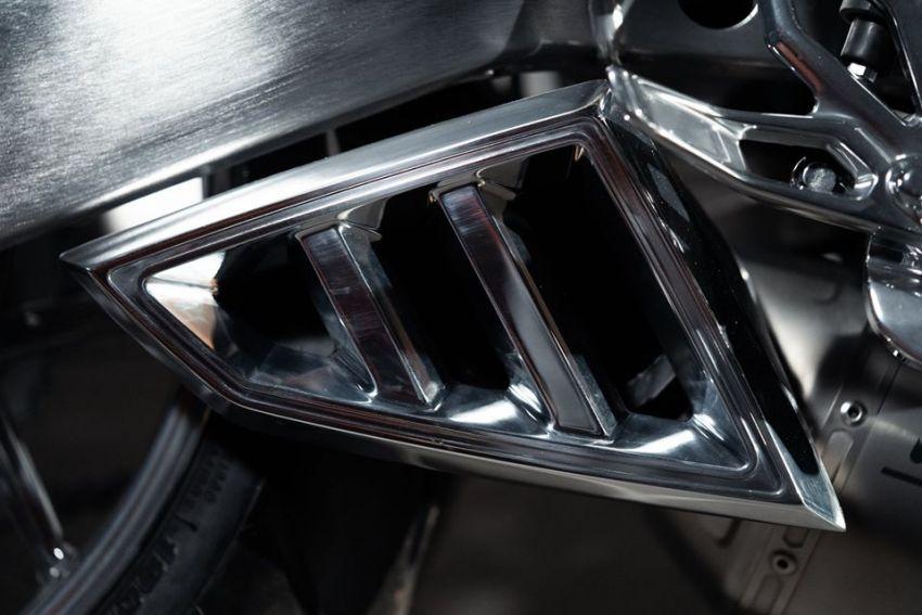 Yamaha Niken dengan semua panel badan aluminium Image #1061077