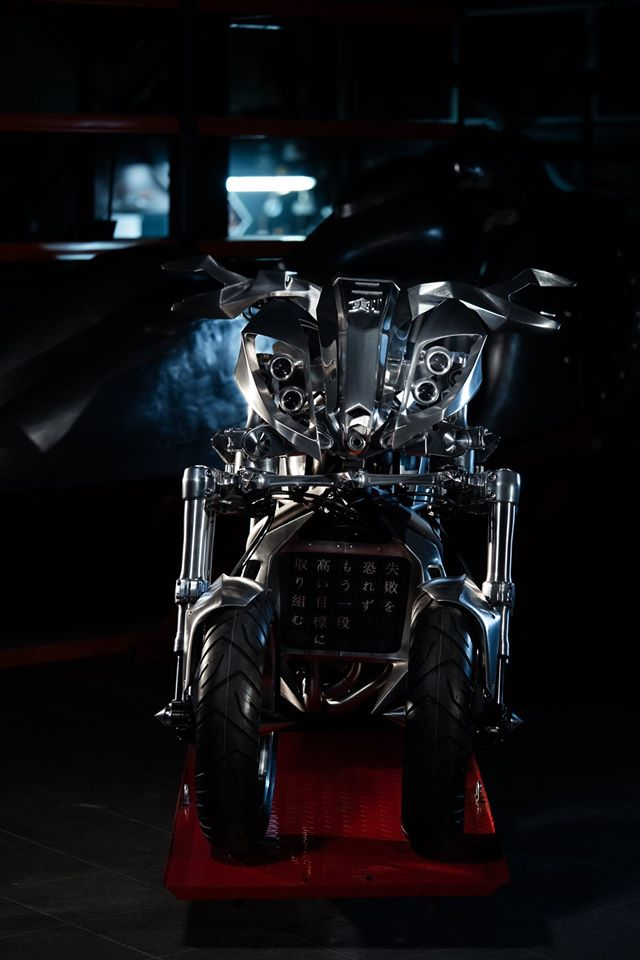 Yamaha Niken dengan semua panel badan aluminium Image #1061076
