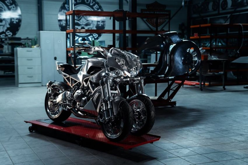 Yamaha Niken dengan semua panel badan aluminium Image #1061072