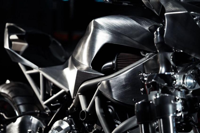 Yamaha Niken dengan semua panel badan aluminium Image #1061070