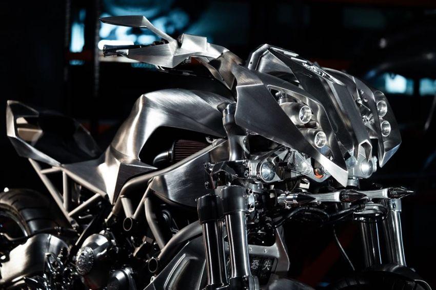 Yamaha Niken dengan semua panel badan aluminium Image #1061069