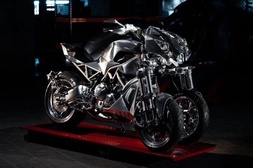 Yamaha Niken dengan semua panel badan aluminium Image #1061068