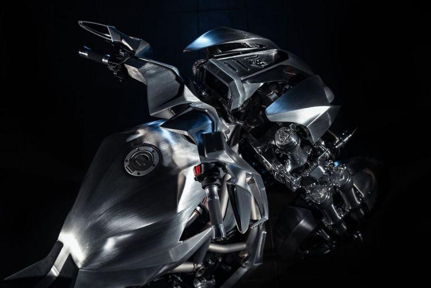 Yamaha Niken dengan semua panel badan aluminium Image #1061095