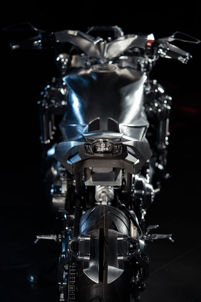 Yamaha Niken dengan semua panel badan aluminium Image #1061093