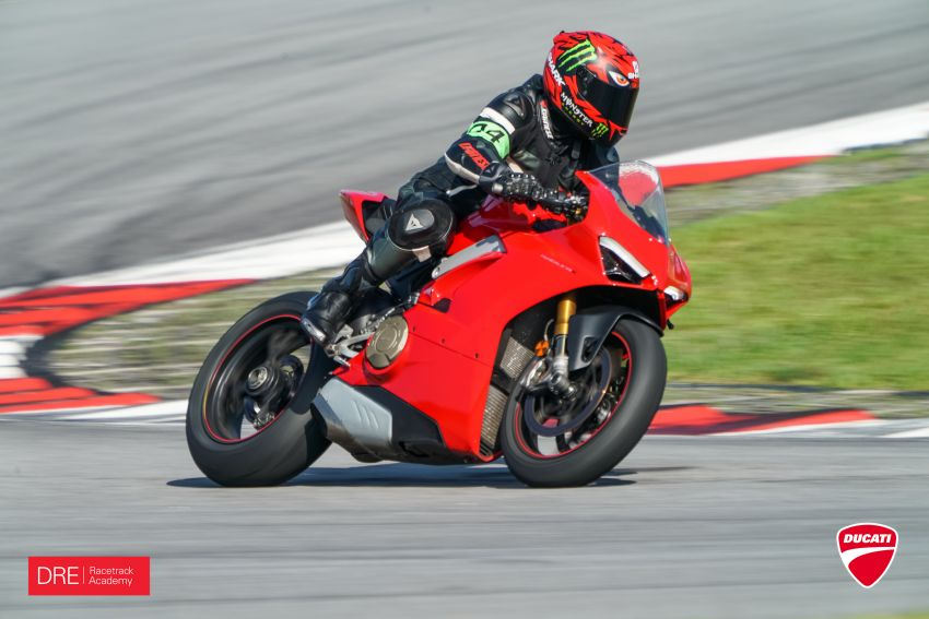 Why riding on the edge in Malaysia is dangerous – take it to the track, public roads are not for racing Image #1069983