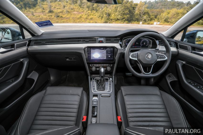 FIRST DRIVE: 2020 Volkswagen Passat 2.0 TSI review Image #1074781