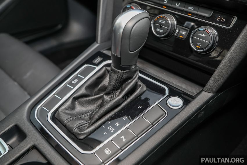 FIRST DRIVE: 2020 Volkswagen Passat 2.0 TSI review Image #1074815