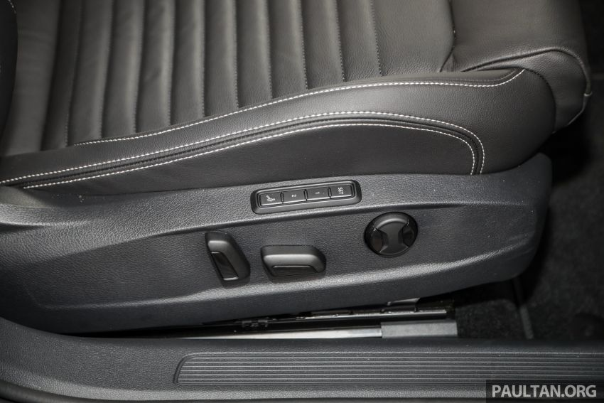 FIRST DRIVE: 2020 Volkswagen Passat 2.0 TSI review Image #1074830